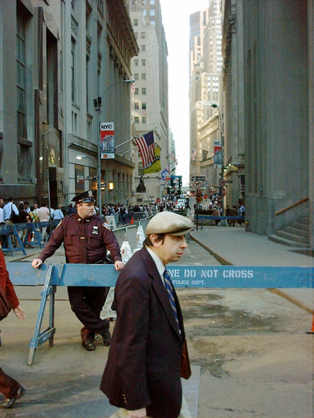 lunchtime crowds return to an altered Wall Street after attack of September 11